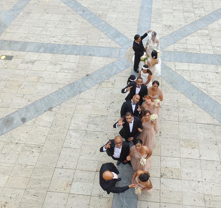 Prendas que no debes llevar a una boda