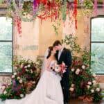 Una boda inspirada en el lúpulo en una cervecería de Forth Worth